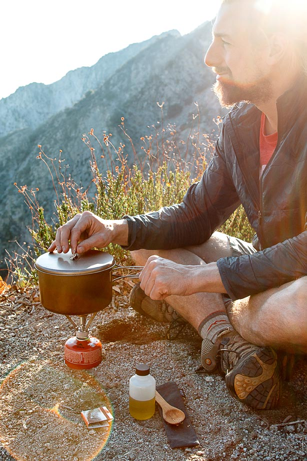 A super simple homemade backpacking meal. Takes less than 5 minutes to cook on the trail and is full of protein AND flavor!